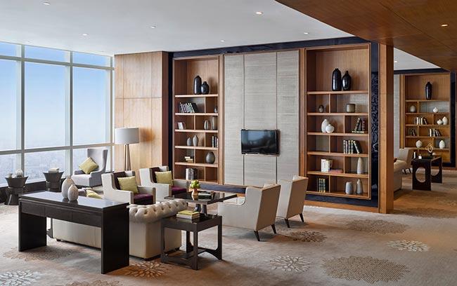 club intercontinental lounge in intercontinental hanoi landmark72 hanoi luxury hotel