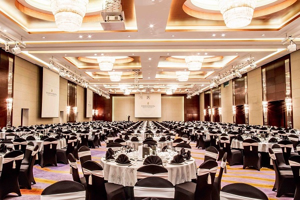 luxurious grand ballroom at intercontinental hanoi landmark72 hanoi city hotel