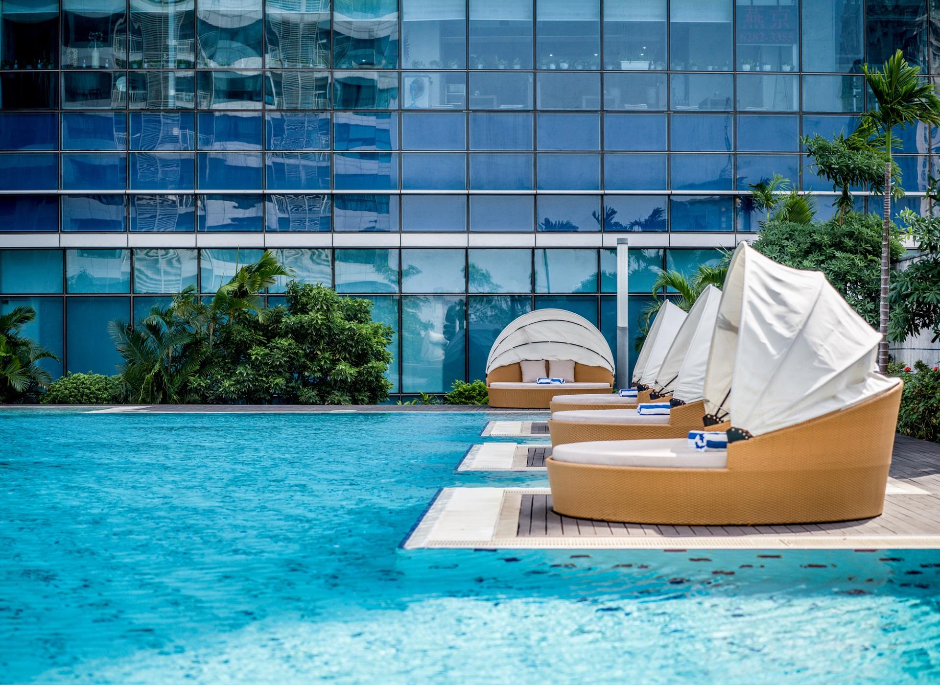 Hanoi hotel sunloungers