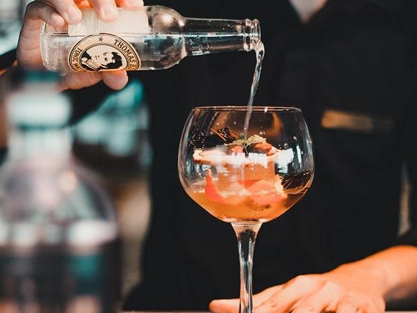món cocktail đặc trưng của quán bar trong khách sạn tại Hà Nội