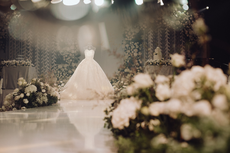 wedding ballroom at intercontinental hanoi landmark72 hanoi 5 star hotel