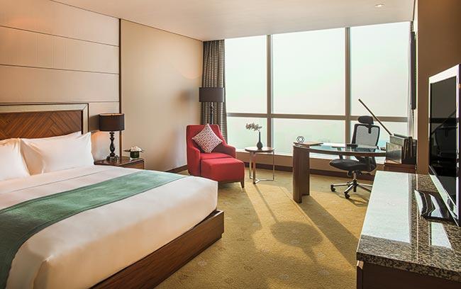 phòng ngủ khách sạn 5 sao sang trọng intercontinental hanoi landmark72 tại hà nội với tầm nhìn toàn cảnh thành phố