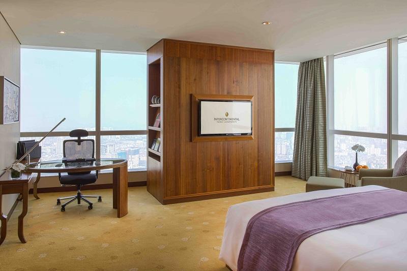 phòng corner suite tại intercontinental hanoi landmark72 khách sạn 5 sao cao nhất hà nội