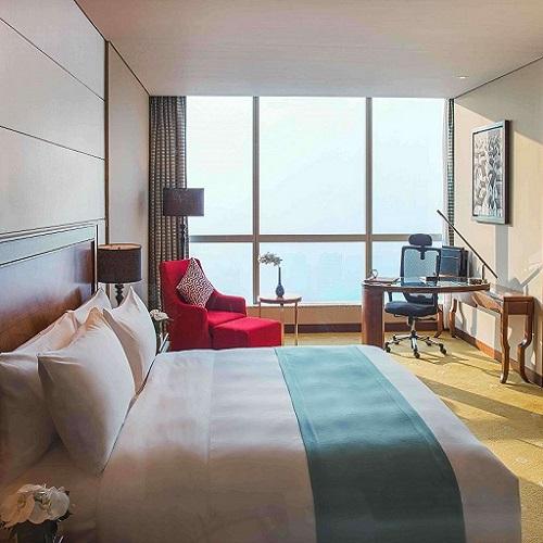 Phòng Premier tại intercontinental hanoi landmark72 khách sạn 5 sao với tiện nghi sang trọng và tầm nhìn toàn cành thành phố Hà Nội