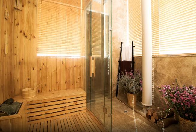 Hanoi hotel spa sauna room