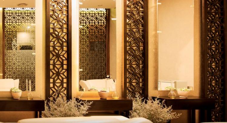 hotel spa treatment room near Hanoi